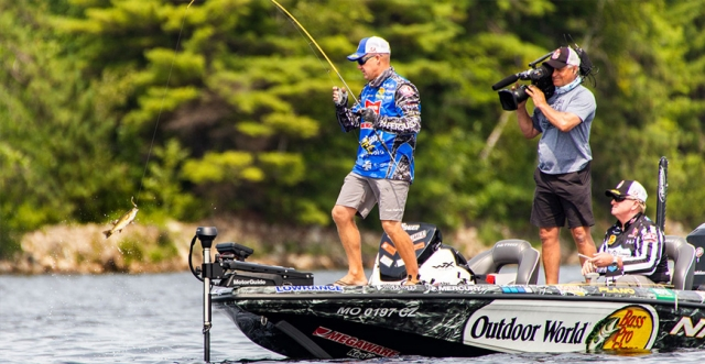 The Quest for Smallmouths on Sturgeon Bay with Major League Fishing Pro Brent Chapman