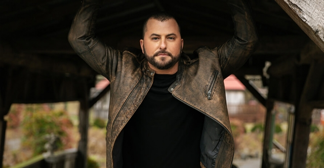 Country Music and Country Living Collide on #DeerWeek with co-host Tyler Farr